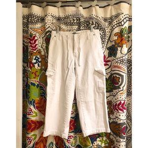 EXPRESS BLEUS White Cargo Cropped Capri pants